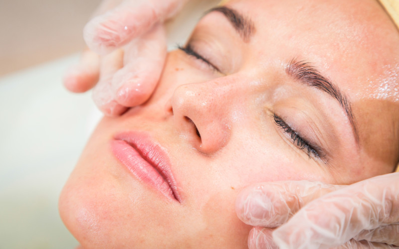 Limpeza de pele: tudo que o profissional precisa saber